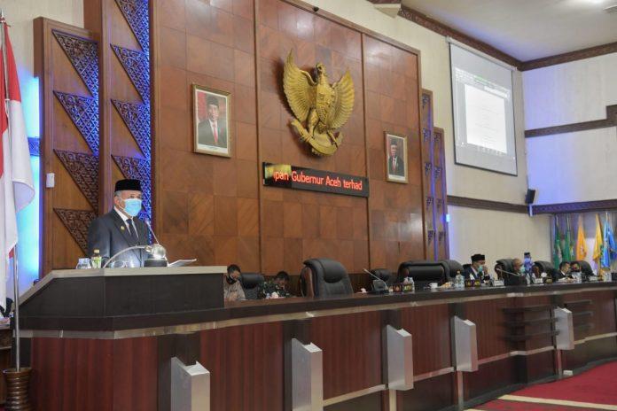 Plt. Gubernur Aceh Nova Iriansyah menghadiri sidang paripurna interpelasi DPRA
