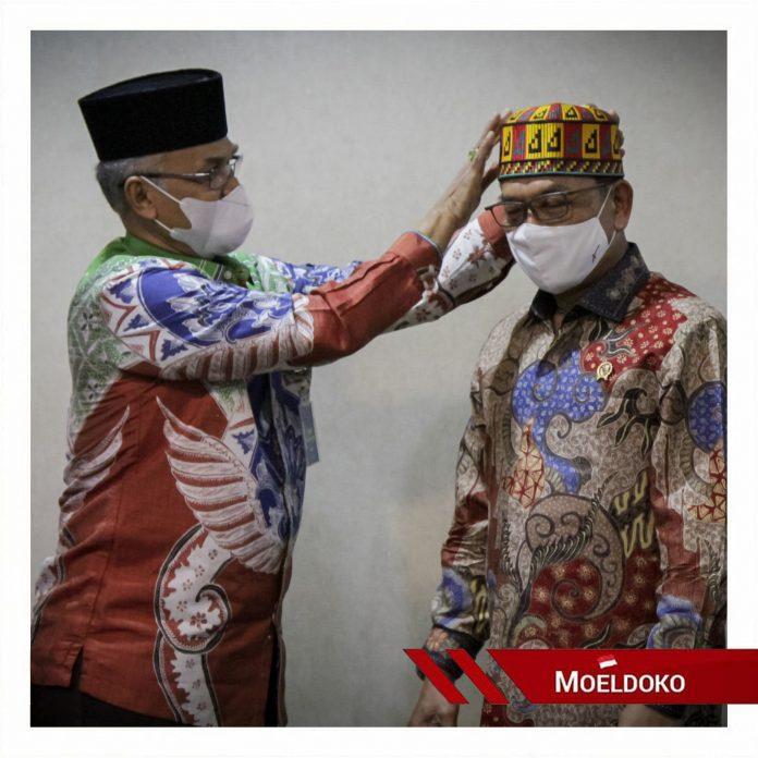 Bupati Bireun Dr. Muzakar A. Gani dan KSP Moeldoko